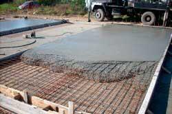 betonirovanie-monolitnogo-fundamenta-dlya-doma-svoimi-rukami