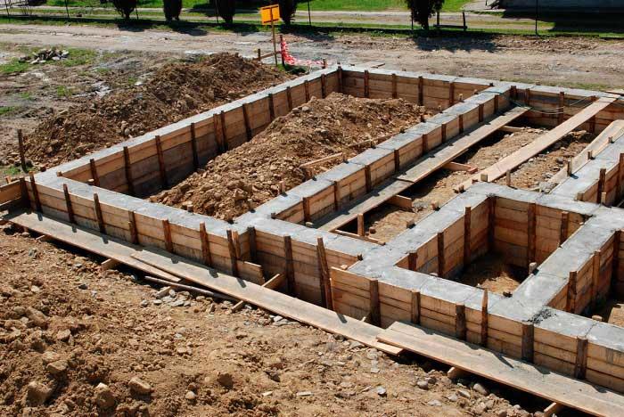 betonnyy-fundament-dlya-chastnogo-doma-svoimi-rukami