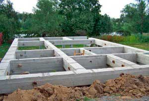 fundament-pod-dom-svoimi-rukami-iz-penoblokov-poshagovaya-instrukciya