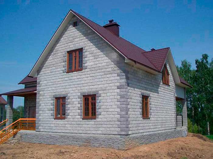 kakoy-fundament-vybrat-pod-chastnyy-dom-iz-gazobetona