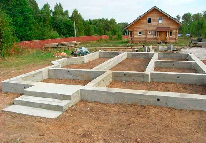 kakoy-fundament-vybrat-pod-dom-iz-gazobetonnykh-blokov