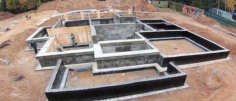 monolitnyy-fundament-dlya-doma-svoimi-rukami