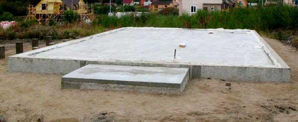 monolitnyy-fundament-pod-kirpichnyy-dom