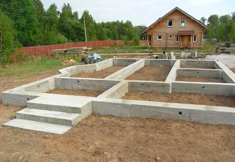 poschitat-skolko-kubov-betona-nuzhno-na-fundament