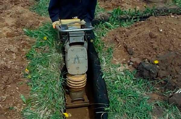kakoy-shiriny-delat-fundament-pod-banyu