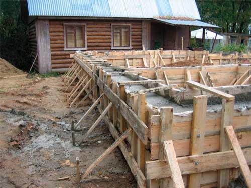 opalubka-svaynogo-fundamenta-svoimi-rukami