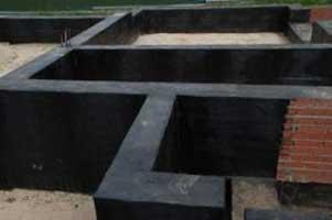 gidroizolyatsiya-lentochnogo-nezaglublennogo-fundamenta