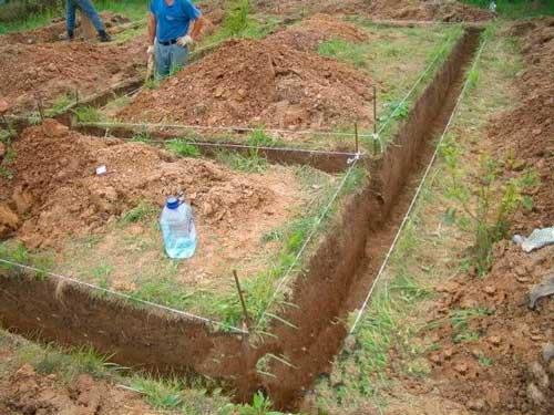 zachem-nuzhna-betonnaya-podgotovka-pod-fundament